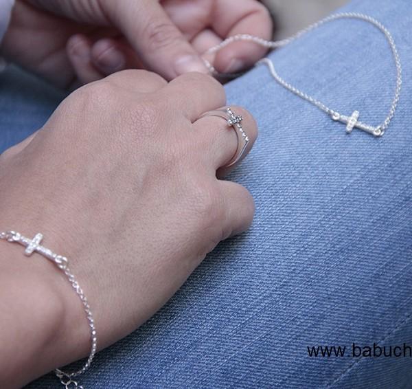 d871abfd00e3 Anillo de plata cruz circonitas para mujer
